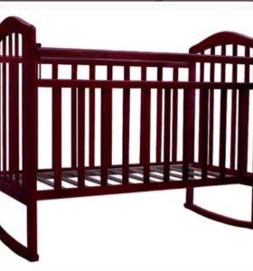 Кровать с матрасом и бортиками