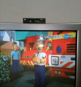Телевизор JVC, диагональ 70 см
