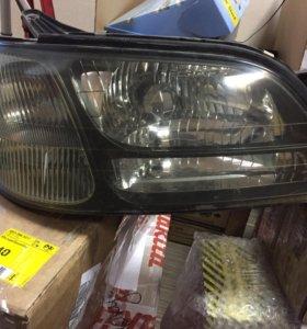 Продам правую фару Subaru Legacy