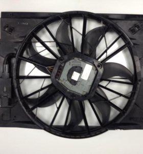 Вентилятор охлаждения двигателя Mercedes-Benz W211