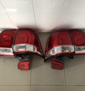 Комплект задних стоп на Toyota Land Cruiser 200