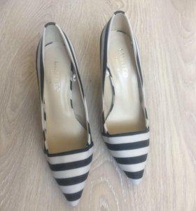Новые туфли Marks&Spenser 37