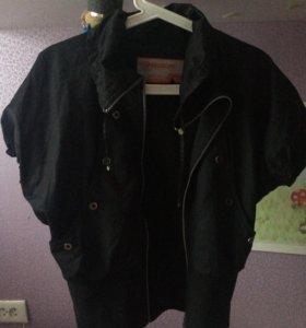 Ветровка ( куртка ) без рукавов
