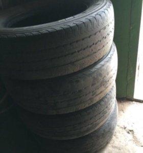 Продаю шины Pirelli chorono.215/70 R15C
