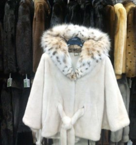 Шубка белая норка, воротник рысь