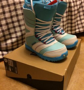 Женские ботинки для сноуборда Burton