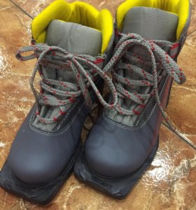 Ботинки лыжные 34р.