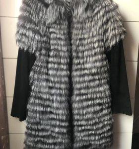 Пальто-жилет из чернобурки