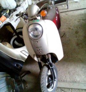 Ретро мопед Honda Crea Scoopy