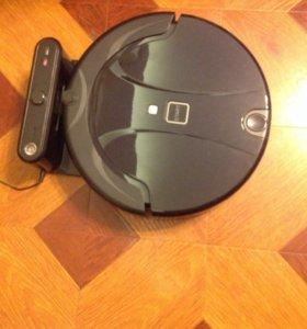 Робот пылесос моющий XR210B