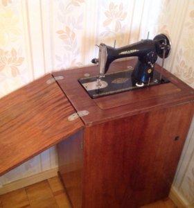 Швейная машинка в рабочем состоянии