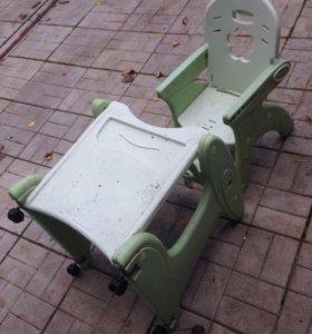 Детский стульчик со столом трансформер