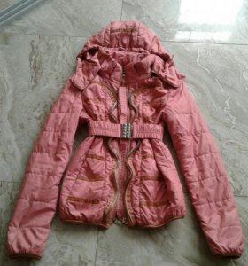 Курточка на девочку 8-10 лет