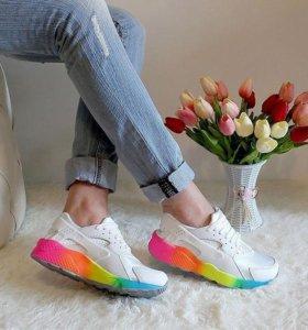 Кроссовки Huarache.