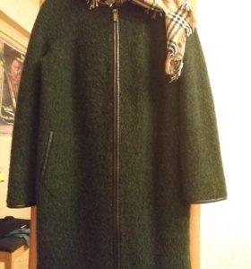 Пальто демисезонное 48 размер