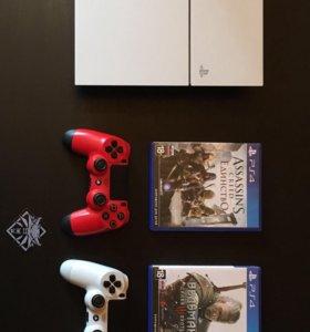 Продам PS4 на 500 GB с 2-мя геймпадами.