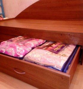 Кровать 90х190см с двумя вместительными ящиками.