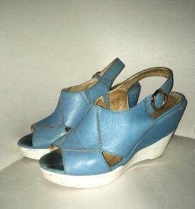 Синие туфли на платформе