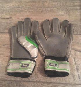 Футбольные перчатки