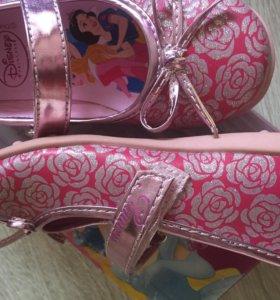 Туфли на девочку Disney, новые. 25разм