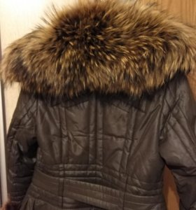 Пальто с шикарным вороником
