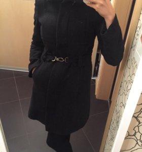 Пальто шерстяное из Италии