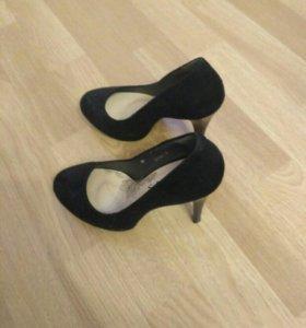 Туфли чёрные 36
