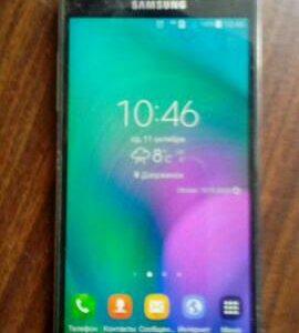 Телефон Samsung Galaxy A5.