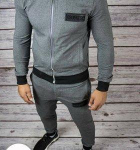 Мужской спортивный серый костюм