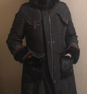 Зимнее пальто с мехом