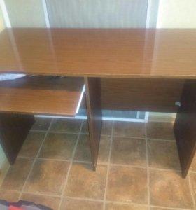 Письменно-компьютерный стол