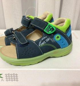 Новые сандалии Котофей 23 размер