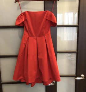 Игривое красное платье Kira Plastinina