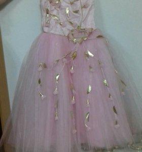 Бальные платье.