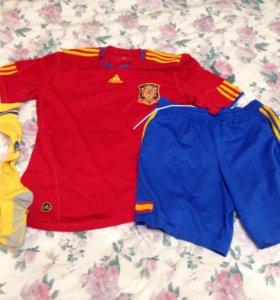 Футбольная форма с гетрами Adidas сборной Испании