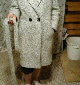 Пальто женское, почти новое