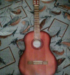 Гитара(классическая с чехлом)