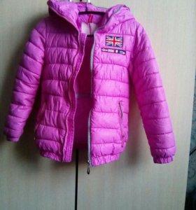 Курточка на девочку 4-6 л.