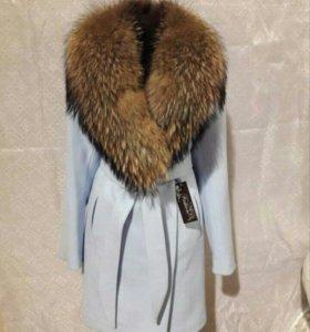 Утепленное шерстяное пальто