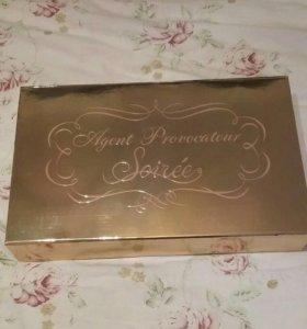 Золотая коробка Agent Provocateur
