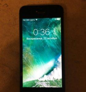 iPhone 5S 16Гб б/у в отличном состоянии с з/у