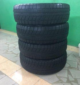 Продам шины Bridgestone 3% износ как новые