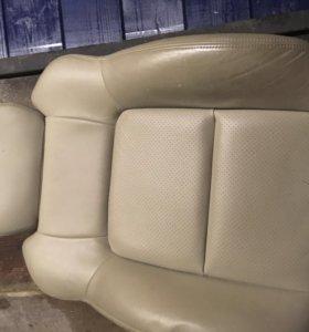 Кожаные сиденья Subaru