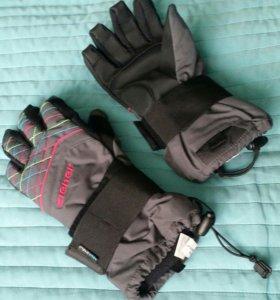 Перчатки с защитой запястья