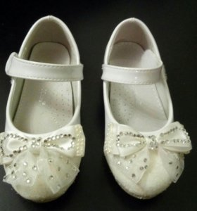 Туфли на девочку 25р