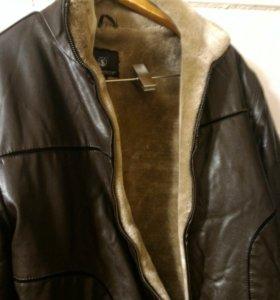 Куртка кожа на меху.