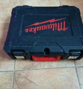 Шуруповёрт Milwaukee M12 BDD