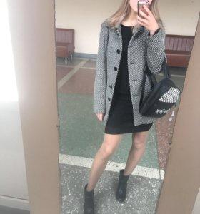 Пальто женское S 42-44