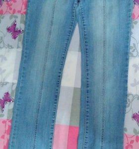 Продам джинсы средней посадки размер 40