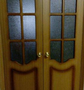 Продам дверь двойную с остеклением